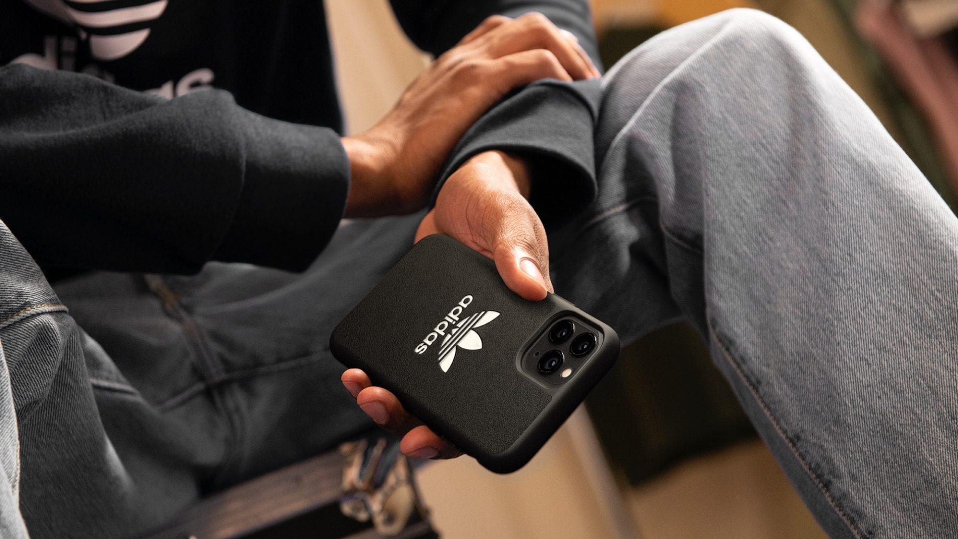 SS20_adidas Originals_Trefoil Case_Black